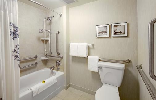Residence Inn by Marriott East Rutherford Meadowlands - East Rutherford - Bathroom