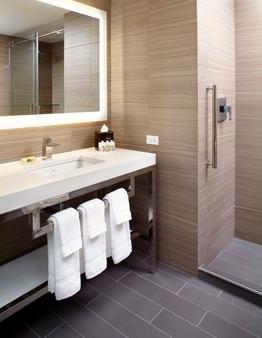 紐約時代廣場坎布里亞套房酒店 - 紐約 - 紐約 - 浴室