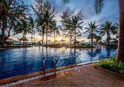 Katathani Phuket Beach Resort - Karon - Πισίνα