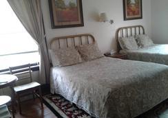 Riverside Hot Springs Inn & Spa - Lava Hot Springs - Bedroom