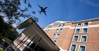 Hilton London Heathrow Airport Terminal 5 - Slough