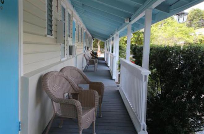 Seashell Motel & Key West Hostel - Key West - Parveke