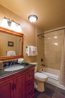 Sierra Nevada Resort & Spa - Mammoth Lakes - Bathroom