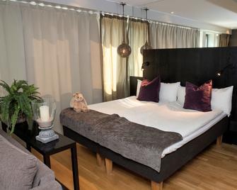 Hotel by Maude Solna - Solna - Slaapkamer