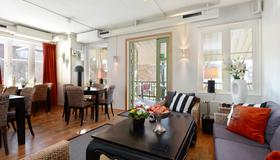 Maude's Hotel Enskede Stockholm - Stockholm - Living room