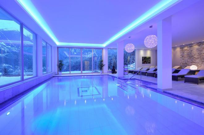 Selfness & Genuss Hotel Ritzlerhof - Oetz - Pool