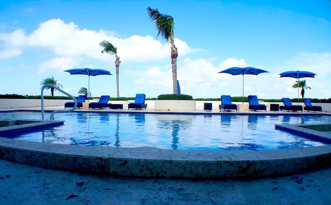 海寧阿祖爾渡假村 - 普羅維登西亞萊斯 - 普羅維登西亞萊斯島 - 游泳池