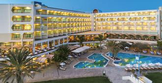 Constantinou Bros Athena Royal Beach Hotel - Πάφος - Κτίριο