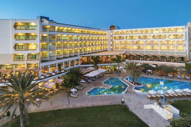Constantinou Bros Athena Royal Beach Hotel - Πάφος - Κτίριο
