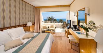 Constantinou Bros Athena Beach Hotel - Paphos