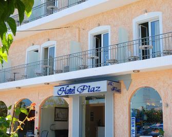 Hotel Plaz - Selianitika - Gebäude