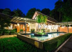 Tinidee Golf Resort Phuket - Kathu - Pool