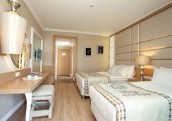 Quattro Beach Spa & Resort - Alanya - Habitación
