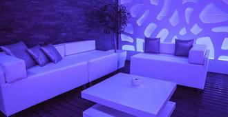 Sisu Boutique Hotel - Marbella - Living room