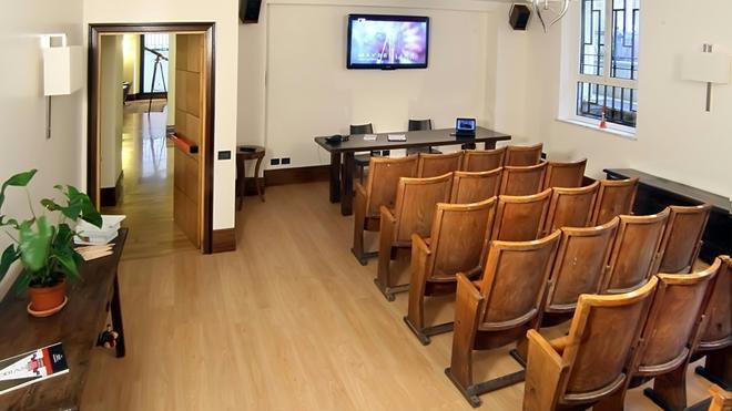 Relais 6 Via Tolmino - Rome - Meeting room
