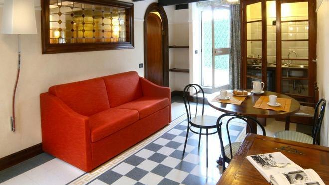 Relais 6 Via Tolmino - Rome - Living room