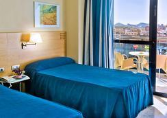 Hotel Madeira Centro - Μπενιντόρμ - Κρεβατοκάμαρα