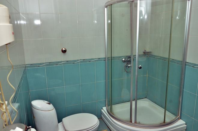 Consul Hotel - Baku - Bathroom