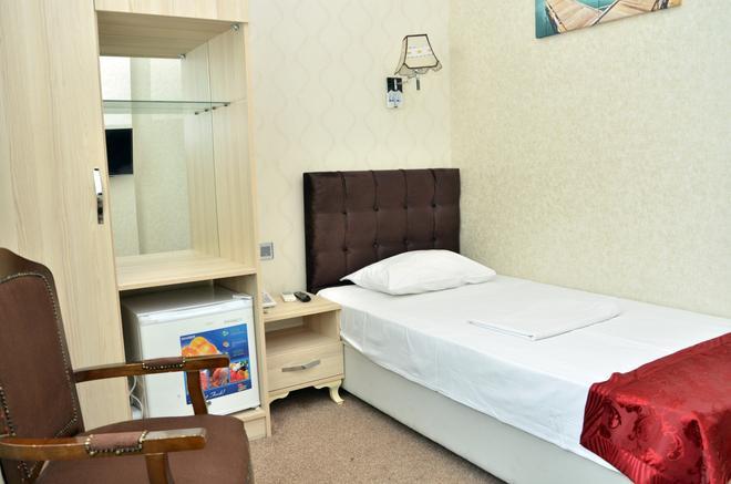 Consul Hotel - Baku - Bedroom