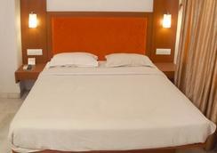 阿底提飯店 - 巴羅達 - 臥室