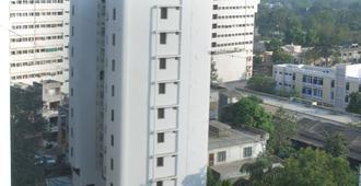 Hotel Aditi - วาโดดารา