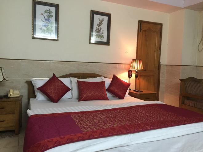 Hotel Ekant - Faridabad - Bedroom