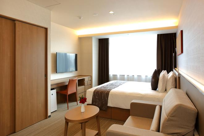 Oakwood Hotel & Apartments Shin-Osaka - Osaka - Bedroom