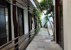 拉提諾酒店 - 圖盧姆 - 室外景