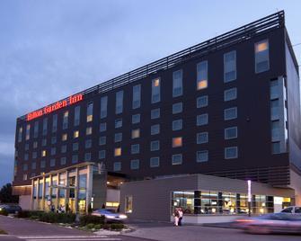 Hilton Garden Inn Krakow - Краків - Building