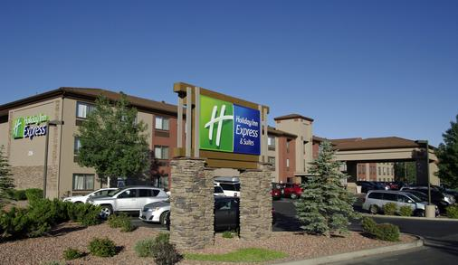 Holiday Inn Express & Suites Grand Canyon - Grand Canyon Village - Building