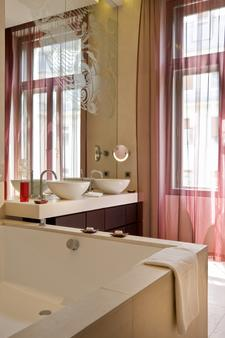 Buddha-Bar Hotel Budapest Klotild Palace - Budapest - Kylpyhuone
