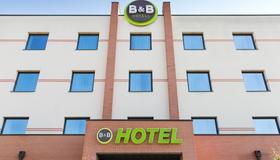 B&B Hotel Ferrara - Ferrara - Building