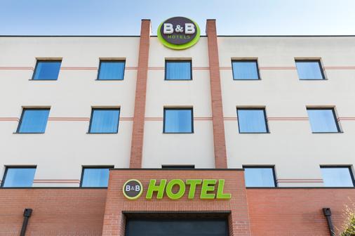 B&B Hotel Ferrara - Ferrara - Toà nhà