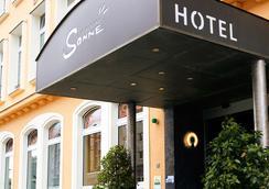 Hotel die kleine Sonne Rostock - Rostock - Rakennus