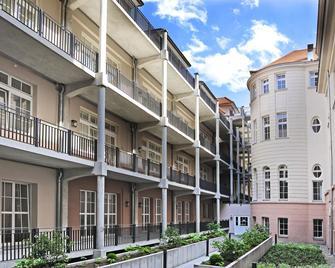 Vienna Townhouse Batschari Baden-Baden - Baden-Baden - Building