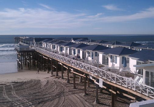 Crystal Pier Hotel & Cottages - San Diego - Building