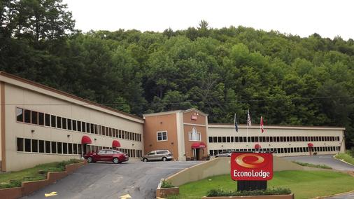 Econo Lodge - Montpelier - Building