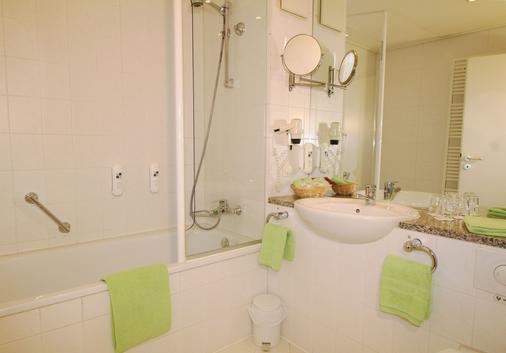 H+ Hotel Erfurt - Erfurt - Bathroom