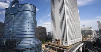 the b ikebukuro - טוקיו - נוף חיצוני