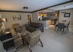 Plaza 2700 Luxury Beach Suites - Virginia Beach - Sala de estar