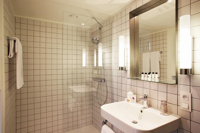 Van Belle Hotel - Brussels - Bathroom