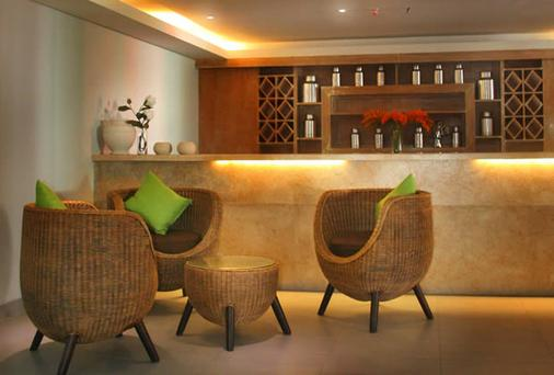 The Edelweiss Boutique Hotel Kuta - Kuta - Bar