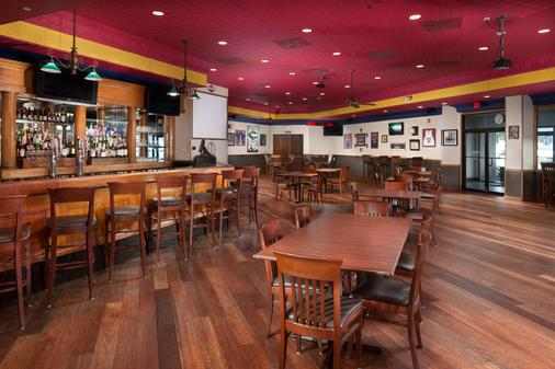 DoubleTree by Hilton Lawrence - Lawrence - Bar