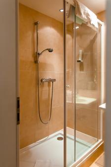 Hotel Park's - Velden am Wörthersee - Bathroom