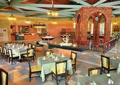 海星巴拉德羅酒店 - Varadero - 餐廳