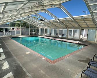 Brookings Inn Resort - Brookings - Pool