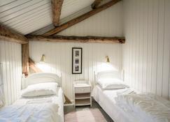 Svinøya Rorbuer - Svolvær - Schlafzimmer
