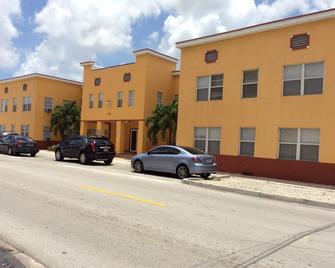 cabana hotel - Hialeah - Building