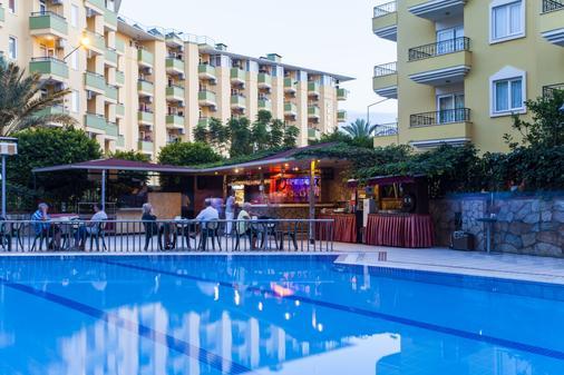 Kleopatra Royal Palm Hotel - Alanya - Baari