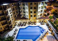 Kleopatra Royal Palm Hotel - Alanya - Uima-allas